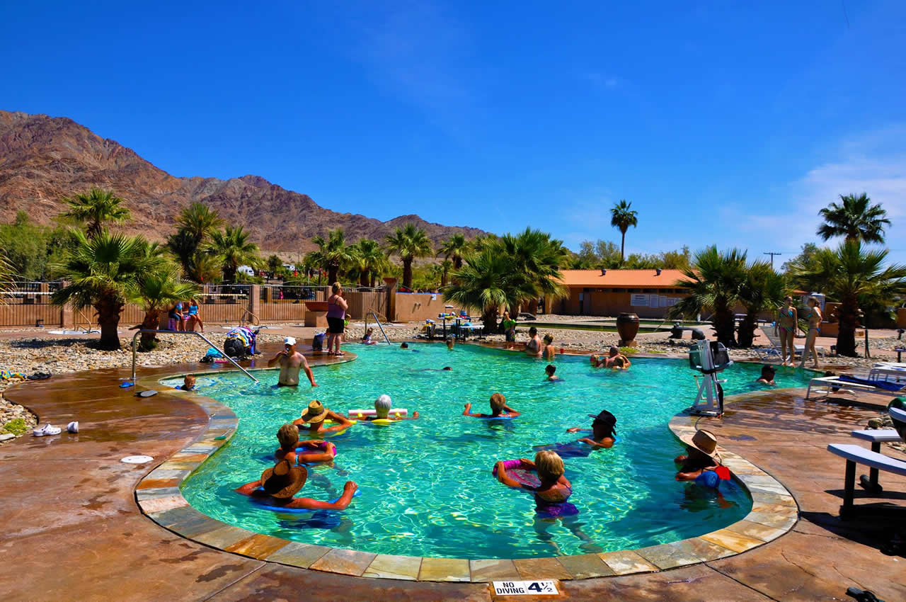 Beautiful Blue Skies over the Pools at Glamis North Hot Springs Resort