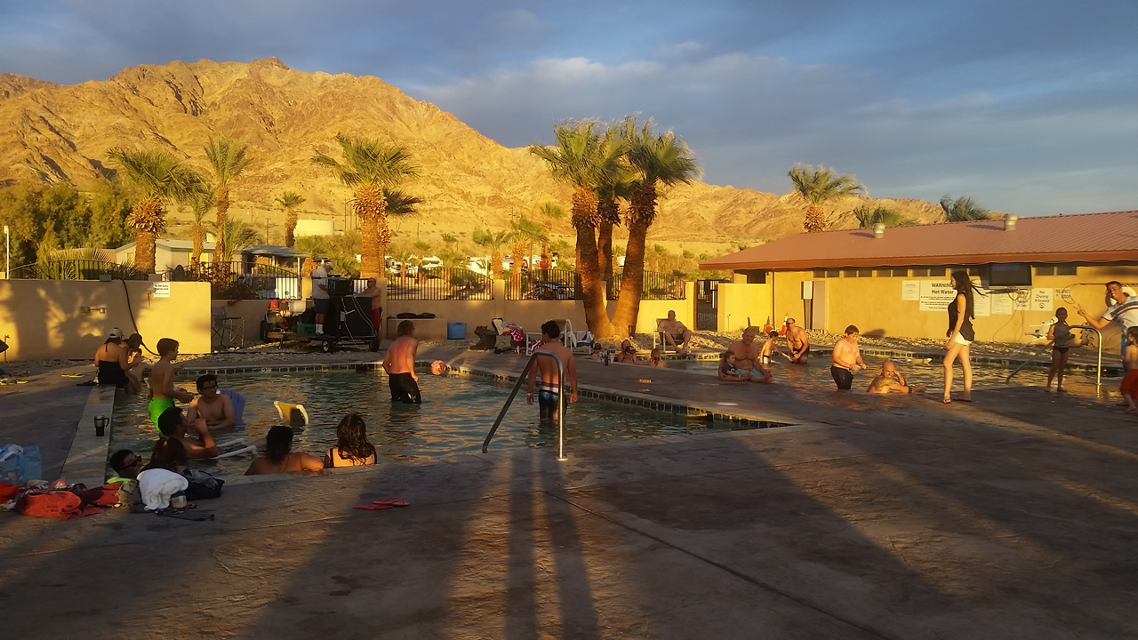 Sun starts to set at the pools - Glamis North Hot Springs resort